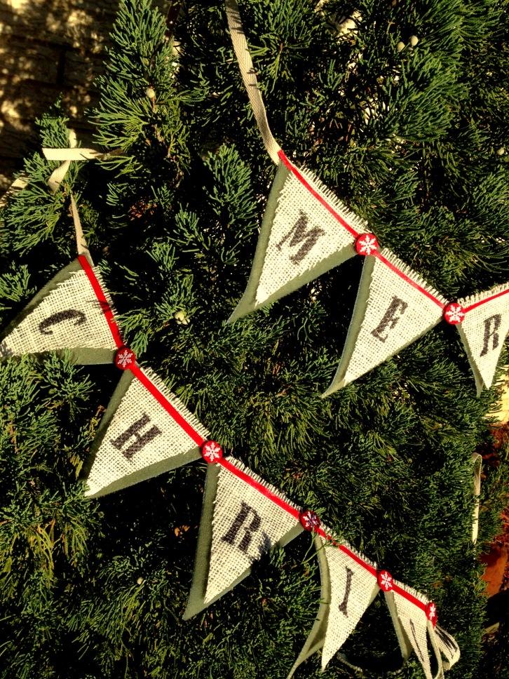 chalkhillhouse burlap merry christmas pennant triangle bunting banner red snowflake green velvet